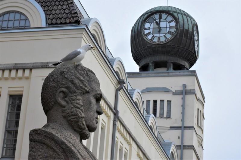 Pietarsaaren kaupunki pääsi taloudessaan niukin naukin plussalle viime vuonna. Kireä talouslinja jatkuu.