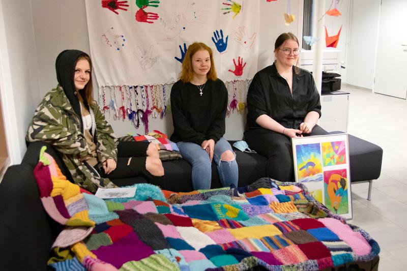 Camilla Ojala, Eveliina Tiitinen ja Helmi Holländer toteavat, että Valma-opinnoissa vietetty vuosi on kulunut nopeasti.
