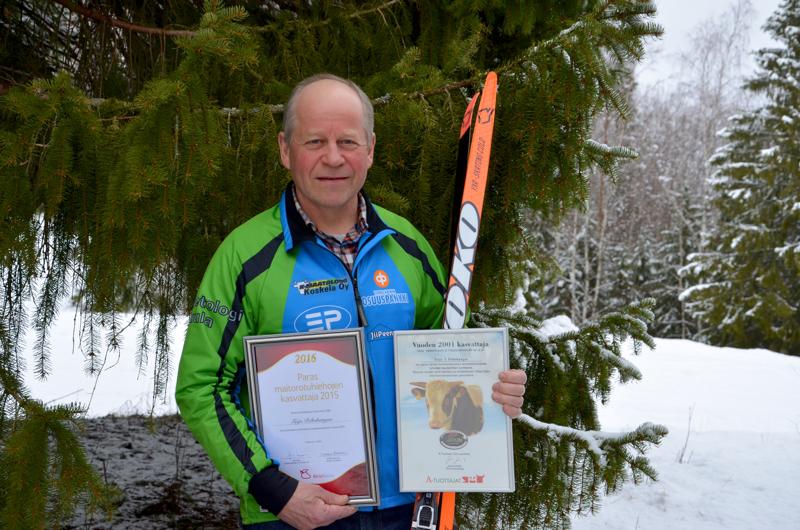 Onnea! Lampilla monelle tuttu liikuttaja Teijo Peltokangas sai tänä vuonna täyteen huimat hiihtokilometrit.