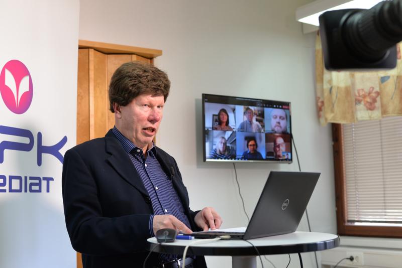 Keskipohjanmaan uutistoimittaja Antti Savela johdatteli Kärsämäen ja Pyhäjärven ehdokkaat keskustelemaan kuntataloudesta ja kuntien vetovoimatekijöistä.