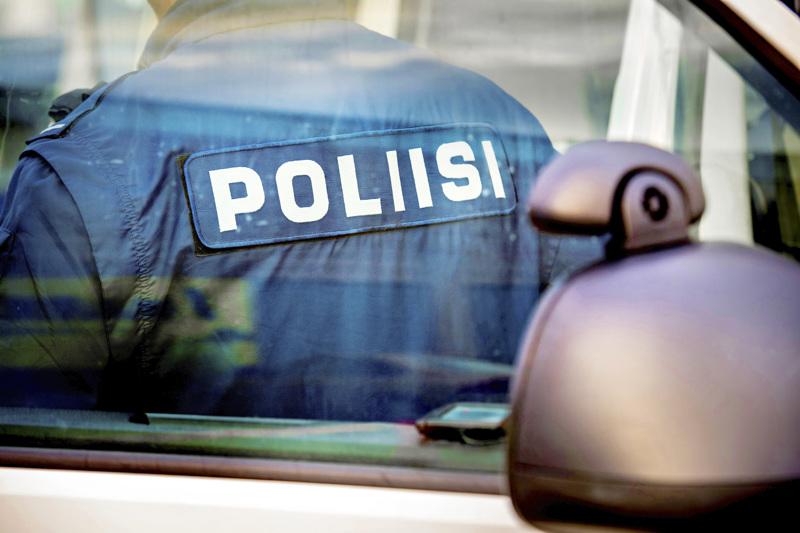 Poliisi on lisännyt partiovahvuuttaan vapuksi.