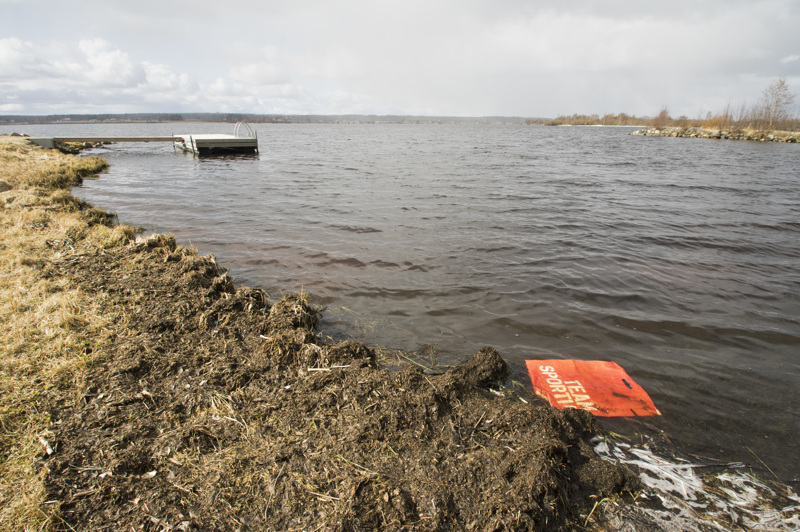 Pidisjärven rantojen siivouskökkään houkutellaan kunnallisvaaliehdokkaiden lisäksi kaikkia muitakin.