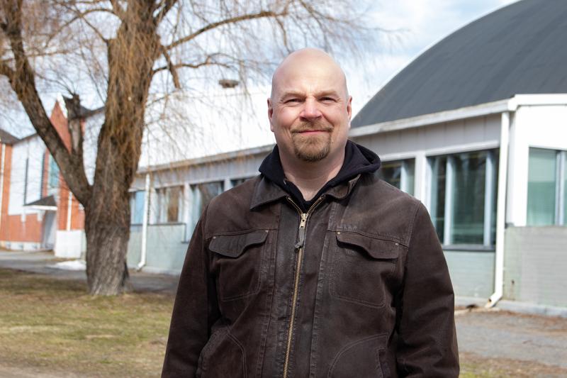 Kokkolan Urheilupuisto Oy:n tuore toimitusjohtaja Timo Sivula valittiin 17 hakijan joukosta.