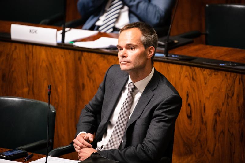 Kokoomuksen ryhmänjohtaja Kai Mykkänen kertoi viime viikolla puolueen äänestävän tyhjää elvytyspakettiasiassa.