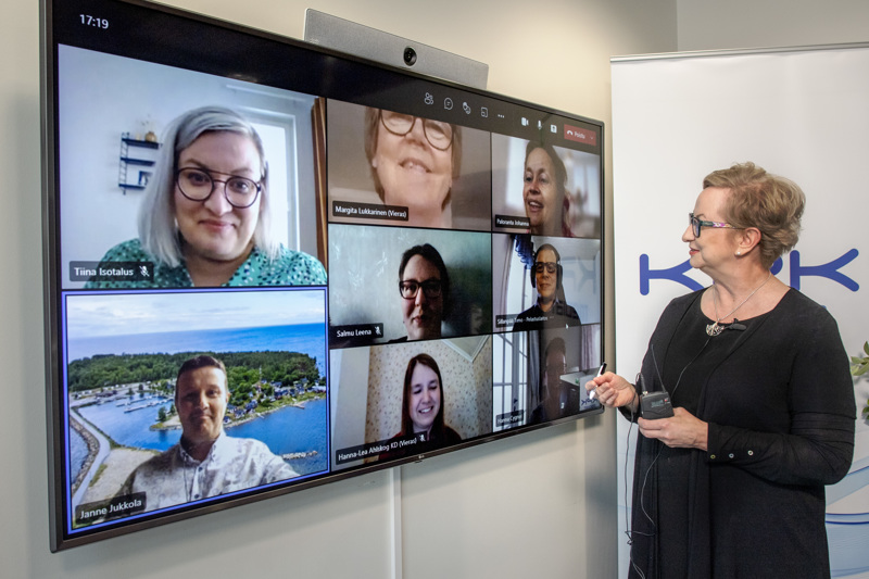 Kokkolan kuntavaalipaneeli oli viimeinen Keskipohjanmaan ja KPK Medioiden vaalipaneelien sarjassa. Kokkolan kaupunginvaltuustoon pyrkiviä tenttasi päätoimittaja Tiina Ojutkangas.