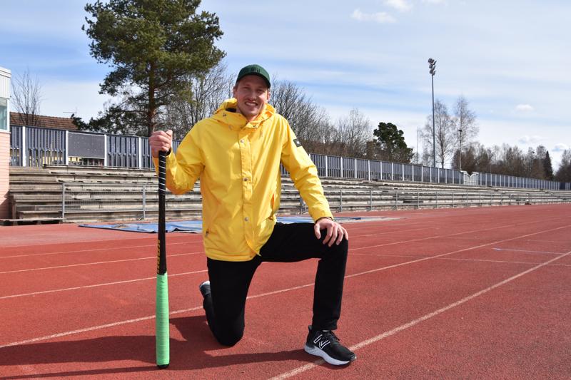 Niilo Piiponniemi lähtee jälleen hakemaan kesällä menestystä Pesäpallon supersarjassa. Tänä talvella uusi liikuntakoordinaattori on jakanut valmennusvinkkejä myös Pesä-Kiilojen porukoille.