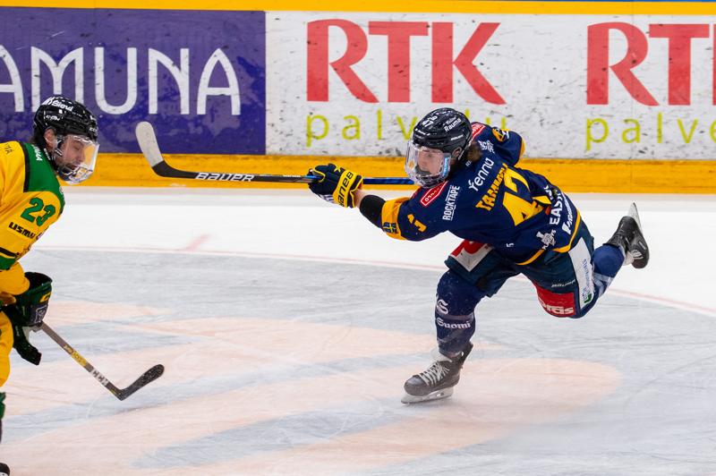 Ylivieskalaislähtöisen Jonne Tammelan kiekkokausi huipentuu Rauman Lukon riveissä perjantaina alkaviin liigan finaalipeleihin.
