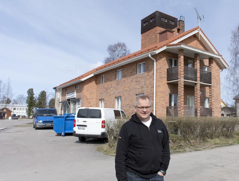 Yrittäjä Ilkka Kosken mielestä vanhassa paloasemassa on Mamma Leonen tunnelmaa.