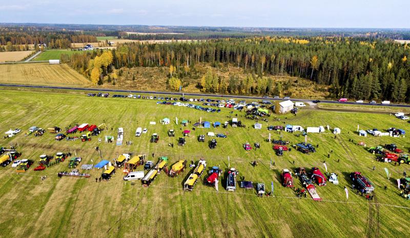 Nivalaan on tulossa jälleen maaseutuaiheinen tapahtuma. Kuva on Nivalassa järjestetystä tapahtumasta, jossa esiteltiin lietteenkäsittelyä.