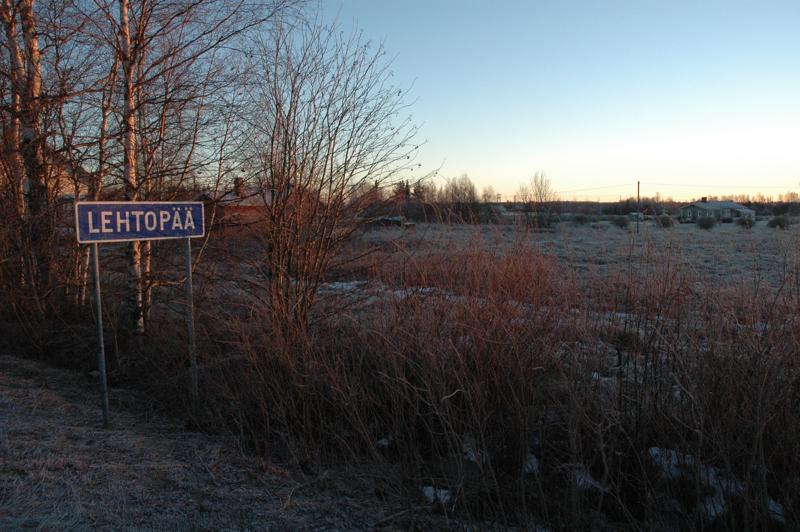 Puolenkymmenen kilometrin päässä sijaitseva Lehtopää saa pyörätien Oulaisten keskustaan saakka tämän suven aikana.