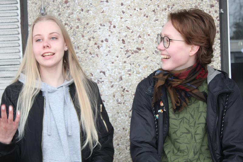 Roosa Juolalla ja Lenne Eeronkedolla oli supermukavaa, kun he tekivät musiikkivideon islantilaiselle metallimusiikkia esittävälle bändille.