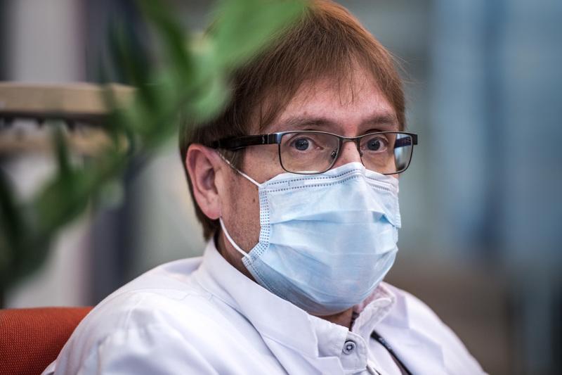 Soiten infektioylilääkäri Marko Rahkonen tsemppaa keskipohjalaisia ottamaan ryhtiliike kesän kynnyksellä, jotta korona ei pääsisi valloilleen.