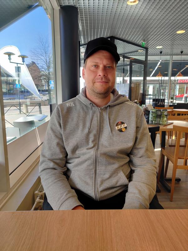 KPV:n valmentaja Niko Kalliokoski toteaa, että TPS on fyysisempi kuin kauden avauksessa kohdattu Klubi04.