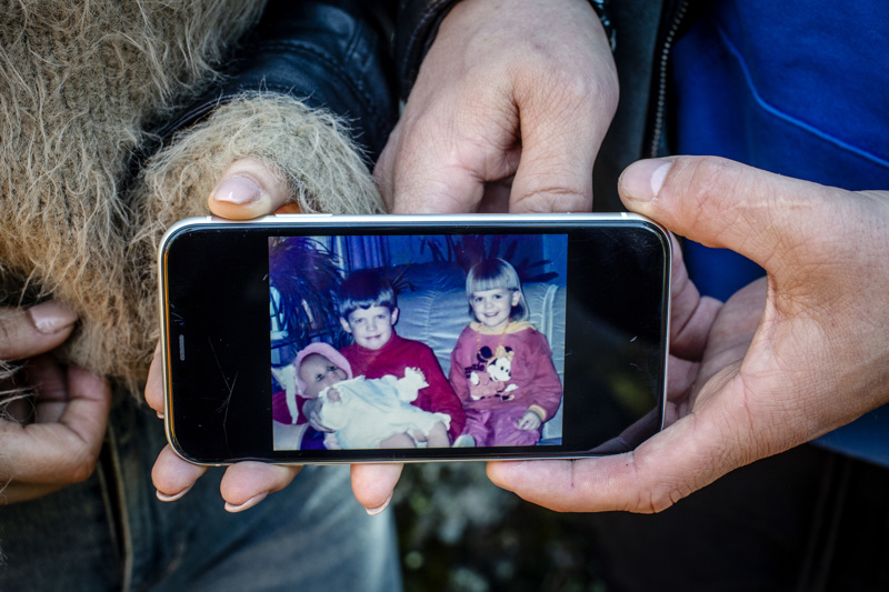 Jonna Vakkuri o.s. Kallvikbacka ja Sami Kallvikbacka ovat säilyttäneet hyvät välit koko elämän, sisko ja veli pitävät edelleen yhteyttä - jos ei päivittäin, niin useasti kuitenkin.