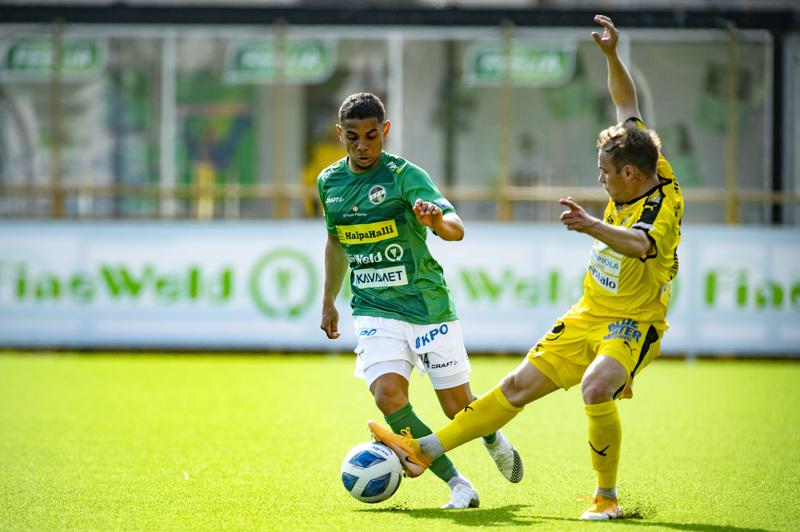 KPV:ssakin pelanneella Juri Kinnusella riitti välillä kiirettä Angel Zapatan kanssa.