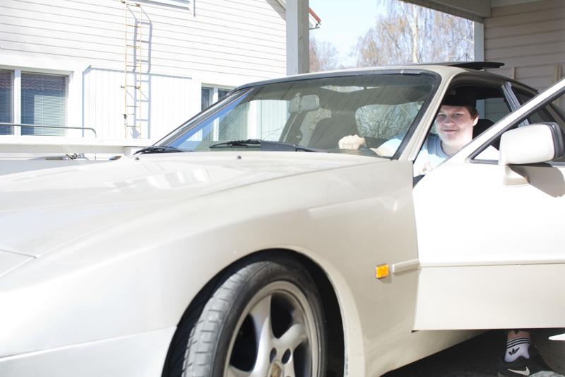 Kesäauto, jolla on omituista ajaa, luonnehtii Miska Eskola.
