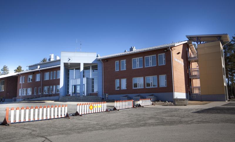 Raumankarin koulun yläkoululaiset ovat maanantaina etäopetuksessa.