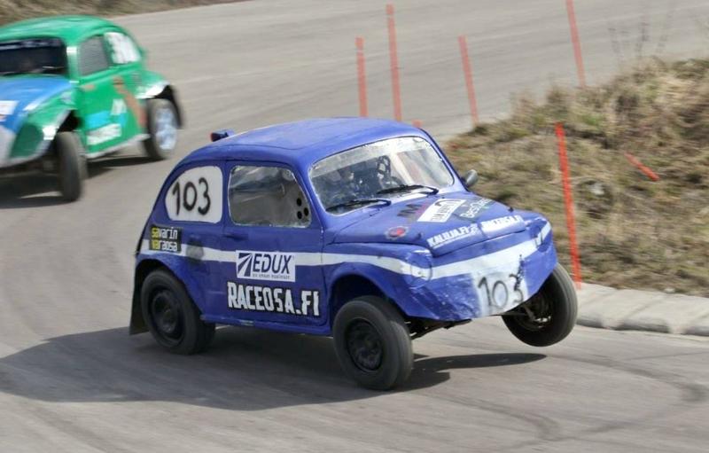 NivUA:n Mikko Mastokangas taisteli itsensä ja autonsa Kevätkapinan lähtöviivalle, ja sijoittui lopulta yleisessä sarjassa parhaana nivalalaisena neljänneksi.