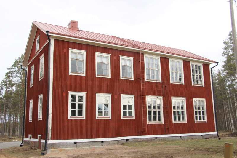 Heiskat ovat muun muassa uusineet talon ikkunaruutuja, maalanneet vesikaton, asentaneet syöksytorvet ja oikoneet porakivet.