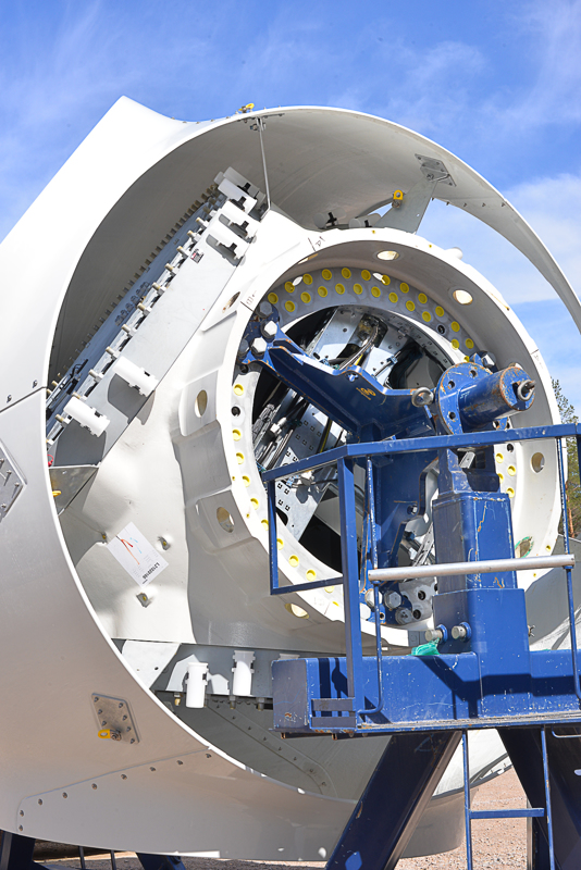 Hub näyttää ja kuulostaa avaruusalukselta.