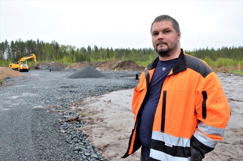 Lauri-Steelin uudet toimitilat valmistuvat syksyllä. Jarno Muholan mukaan se tarkoittaa myös lisää työpaikkoja.