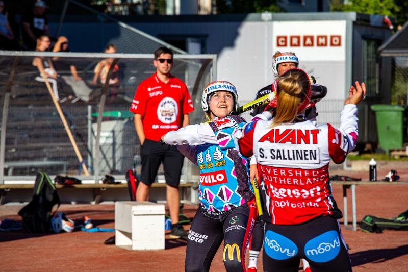 Laskennallista tekniikkaa Lappeenrannassa opiskeleva Petra Laakkonen on pelannut urallaan 17 naisten superpesiksen runkosarjaottelua.