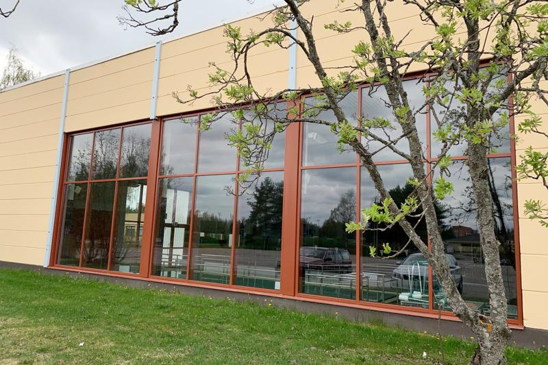 Liikuntapäällikkö työskentelee Ylivieskan liikuntapalvelujen tulosalueen lähiesimiehenä. Kuva on Ylivieskan liikuntakeskuksesta.