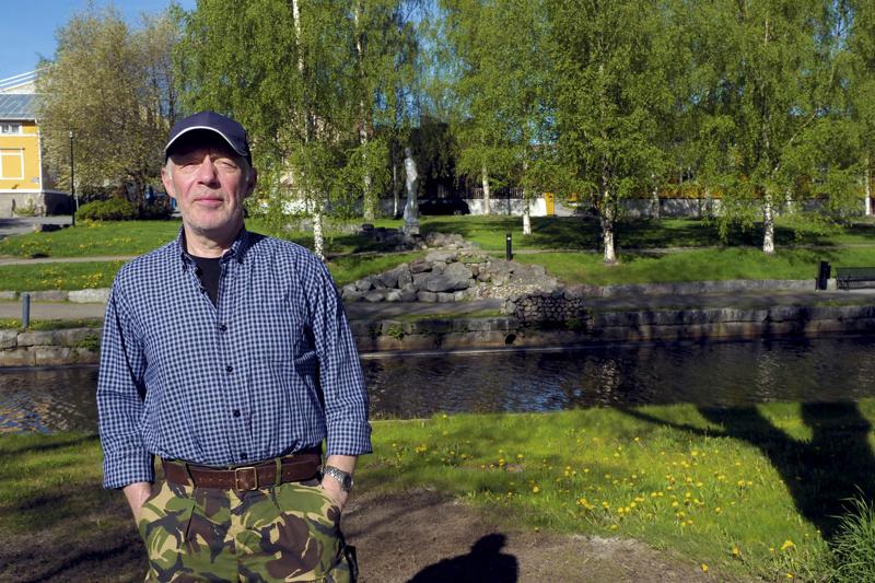 Evijärveltä Kokkolaan muuttanut Reijo Puumala on tyytyväinen nykyiseen Kokkolaan.