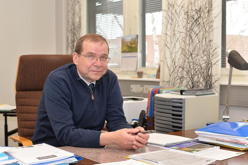 Haapajärven kaupunginjohtaja Juha Uusivirta suhtautuu arviointimenettelyyn rauhallisesti.