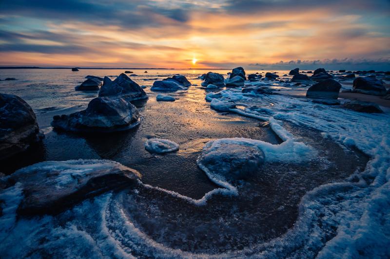 Meri on vahvasti läsnä Elisa Karhulan valokuvataiteessa.