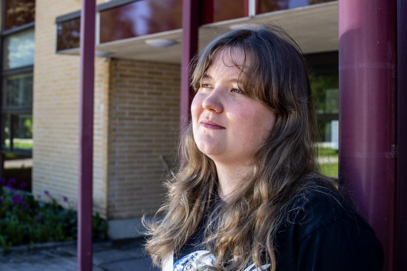 Saila Vesisenaho viihtyi hyvin Kannuksen lukiossa. Hän kehuu myös yläkouluaikaista luokkaansa.