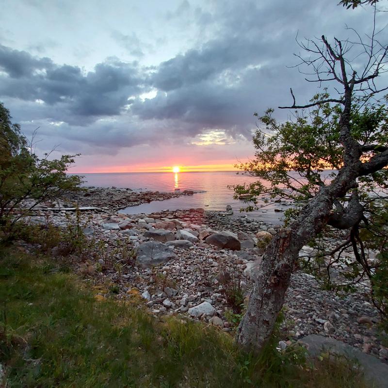 Auringonnousu Ohtakarissa.