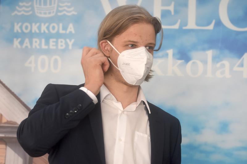 IFK Lepplaxin kasvatti Tony Sund saapui MM-hopeamiehenä viettämään vuosilomaa.