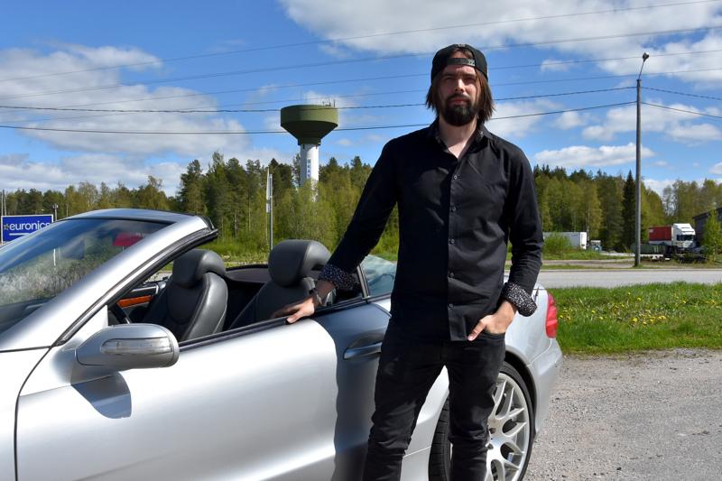 Yrittäjäksi Kannukseen. Sebastian Roiko perusti oman yrityksen vuonna 2019.