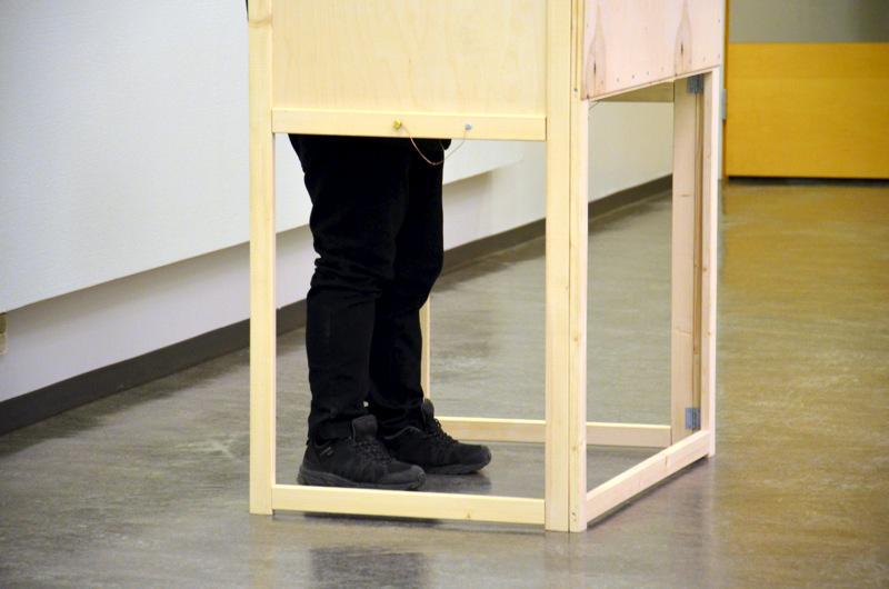 Haapavedellä äänestäminen on mahdollista sunnuntaina sekä kaupungintalolla että Mäkirinteen koululla.