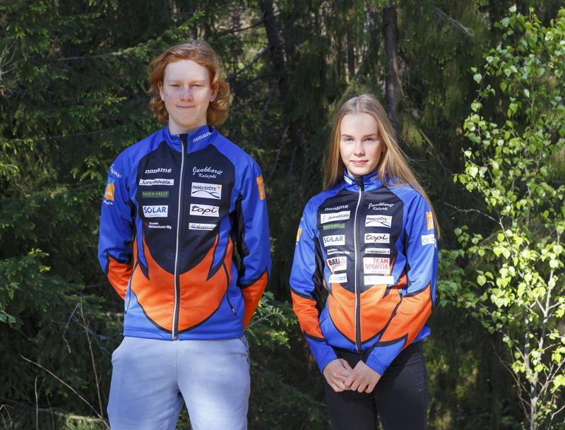 Jirka Ojalle hiihtoliiton leirit ovat tuttua tekemistä, hän jatkaa Vuokatti-ryhmässä. Iida Vuollet valittiin tiettävästi ensimmäisenä junkkarina maajoukkueleirille.