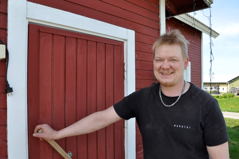 Nimmarisankari Seppo Salmulla on kuusi mökkiä, yksi Letolla ja viisi Etelänkylällä. Niiden alkuvuoden käyttöaste oli kotimaan matkailuboomilla poikkeuksellisen hyvä.