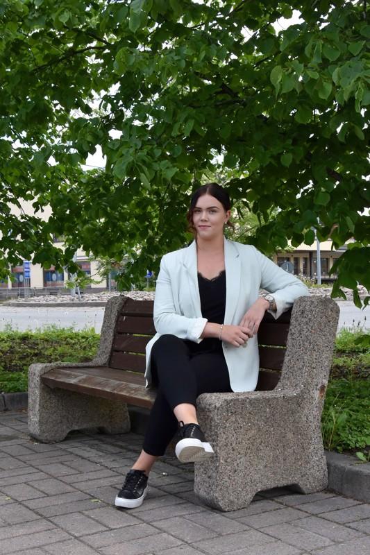 Lestijoen kesätoimittaja. Henna Salminen aloitti kesätyöt Lestijoen toimituksessa viime viikolla.