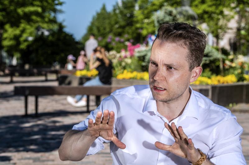 – Keskusta on maltillinen puolue, haluamme hoitaa ihmisten asiat kuntoon, sanoo Kokkolassa vieraillut Suomen Keskustan varapuheenjohtaja Petri Honkonen.