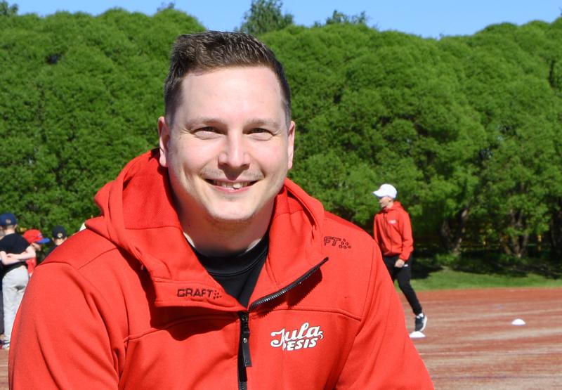 Mikko Korkeakoski nousi Ylivieskan kuntavaalien ääniharavaksi ja yllätti itsensäkin.
