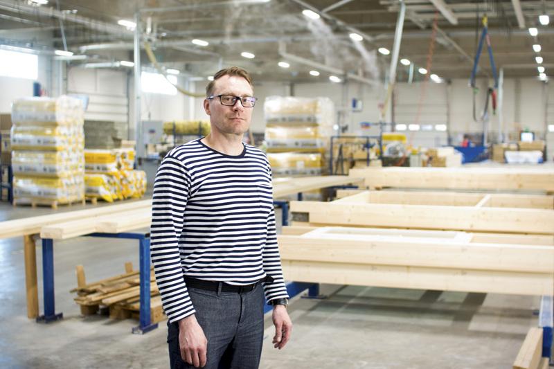 Kokoomuksen Jukka Kumara nousi vaalipäivän äänien turvin Nivalan kaupunginvaltuustoon.
