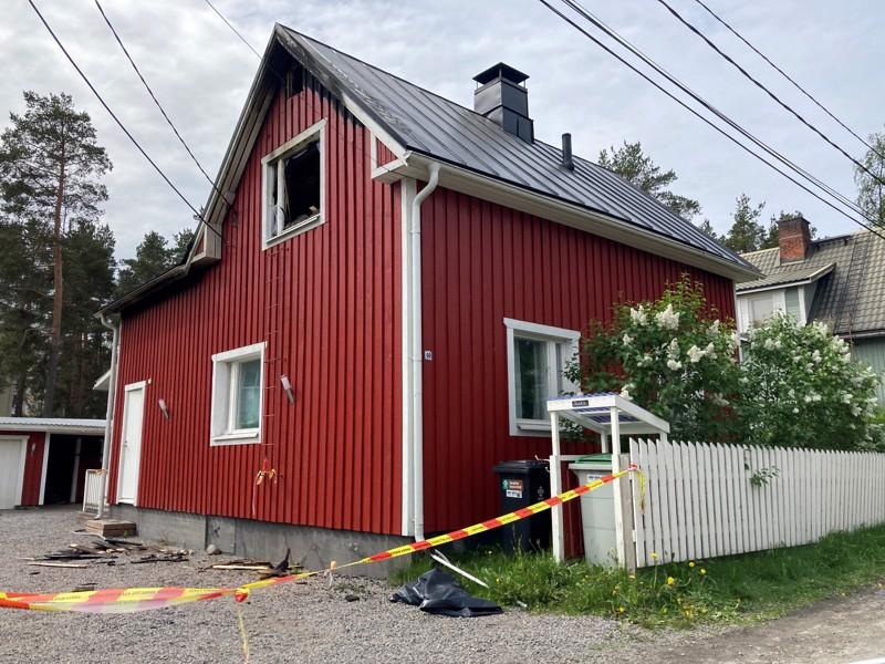 Vaikka päällepäin ei näytä siltä, tuli tuhosi koko talon irtaimistoineen.