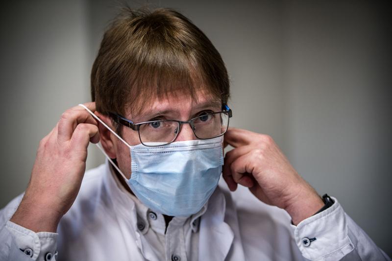 Soite siirtyy epidemian perustasolle. Kuvassa infektioylilääkäri Marko Rahkonen.
