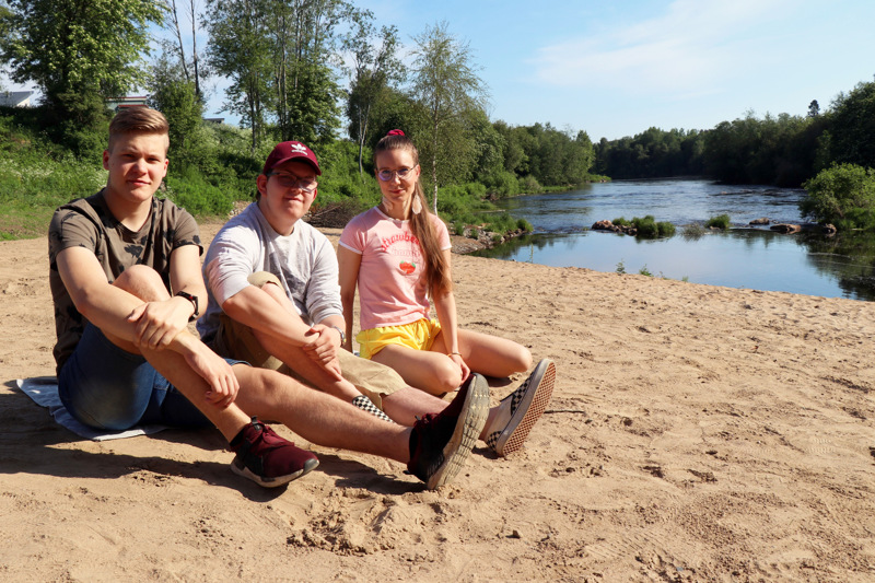Miska Nikula, Martti From ja Venla Mäkelä kävivät viime viikolla testaamassa Mosalan rannan.