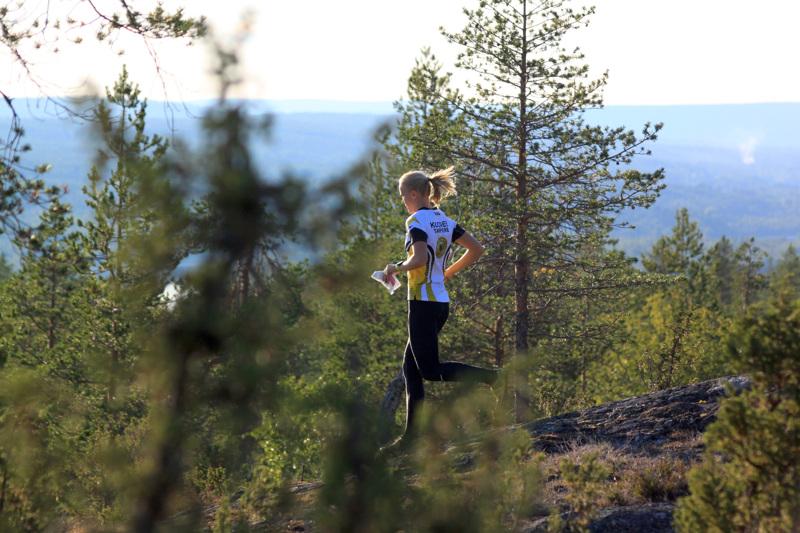 Suunnistaessa pääsee tutustumaan uusiin alueisiin ja metsiin.