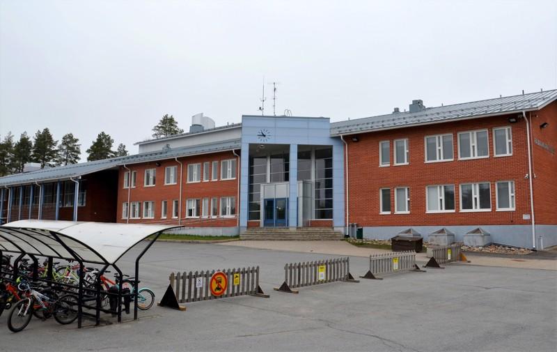 Liikunnanopettajien mielipide. Raumankarin koulu on paras vaihtoehto leikkipuiston sijoituspaikaksi.