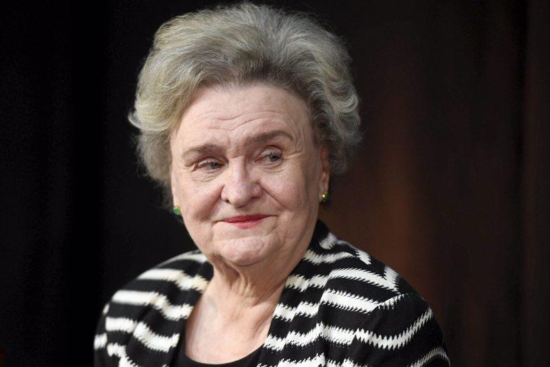 Kirjailija ja professori Laila Hirvisaari on kuollut 83-vuotiaana.