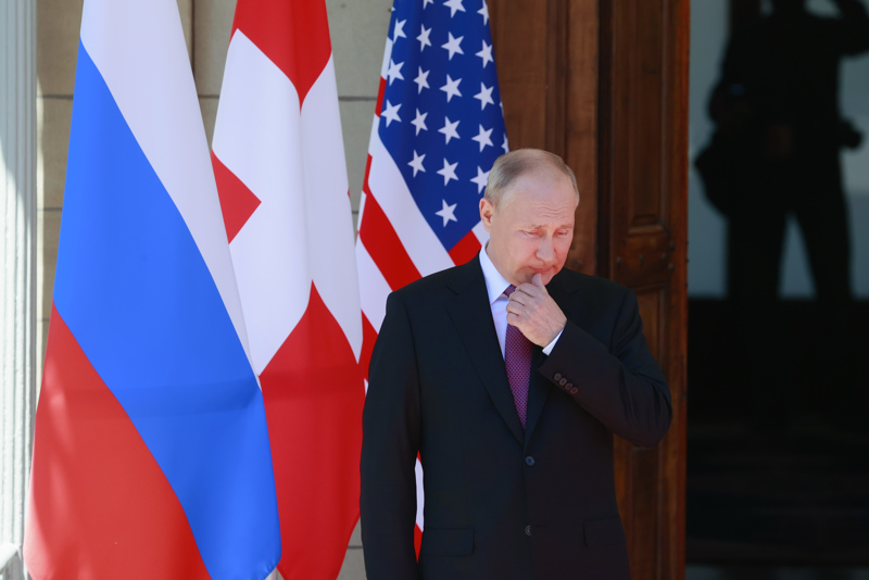 Venäjän presidentti Vladimir Putin kertoi Geneven huipputapaamisesta jälkeenpäin oman versionsa niin kuin itse halusi. Yhdysvaltain Joe Biden ei jäänyt tapaamaan mediaa yhdessä Putinin kanssa.