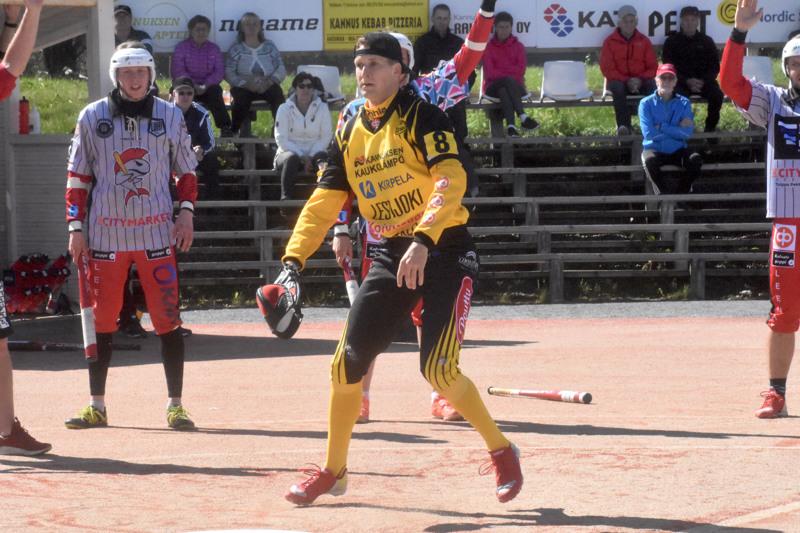 Kauden toisen ykköspesispelinsä pelannut lukkari Vili Ruuska palkittiin Uran parhaana.