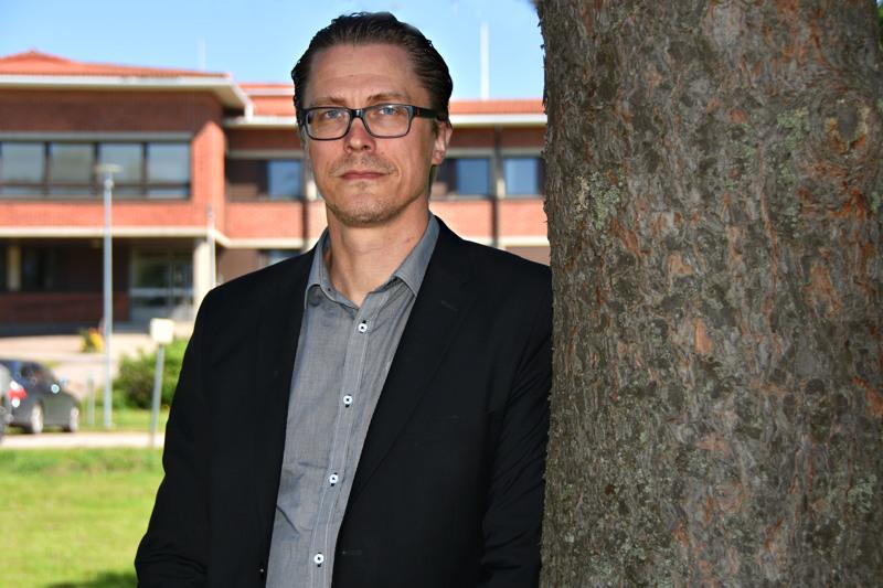 Kimmo Hinno sanoo, että jos sote-uudistus toteutuu, palveluitten säilyttäminen paikallisena onnistuu vain Oulun eteläisen alueen kuntien yhteistyöllä.